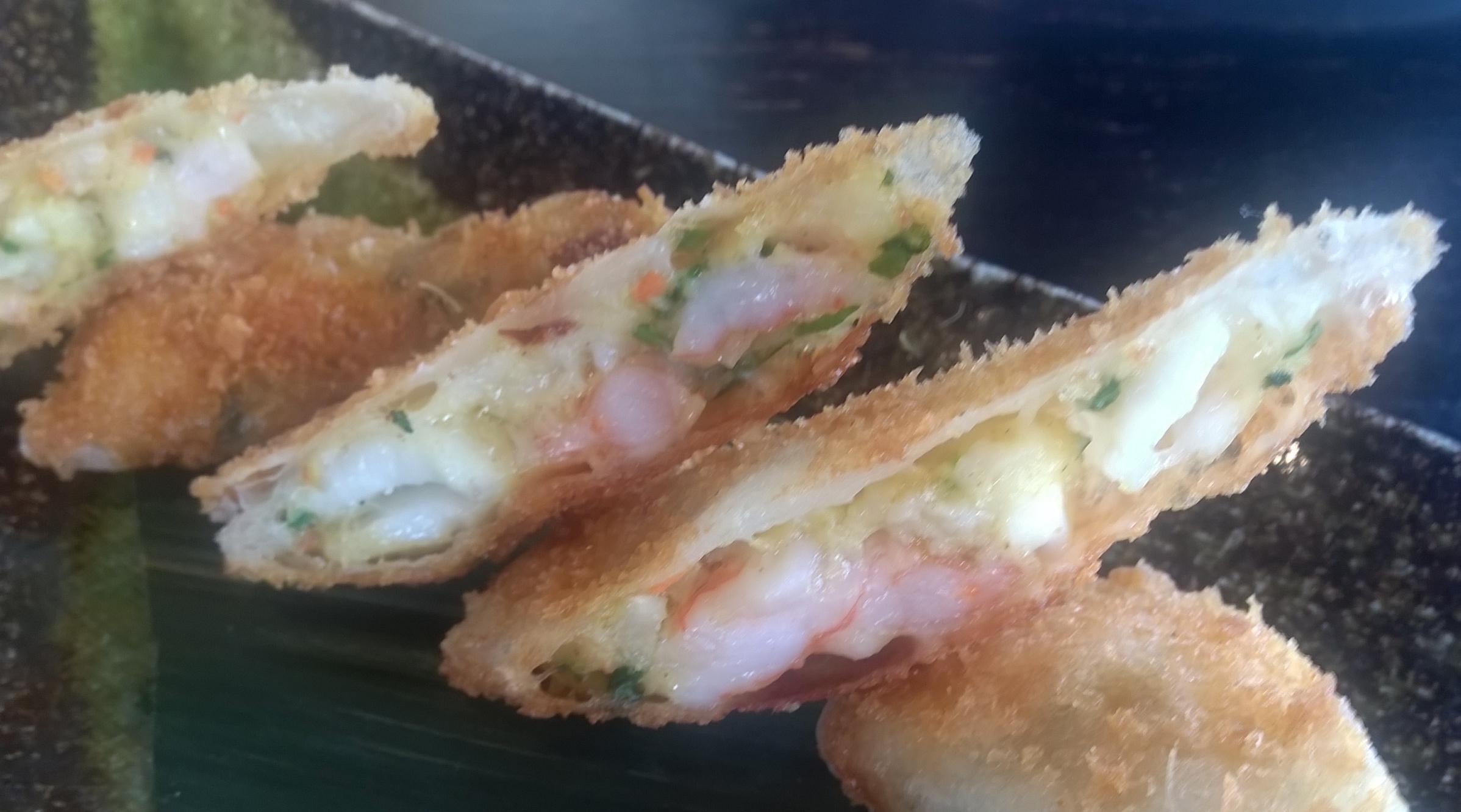 Crispy seafood rolls